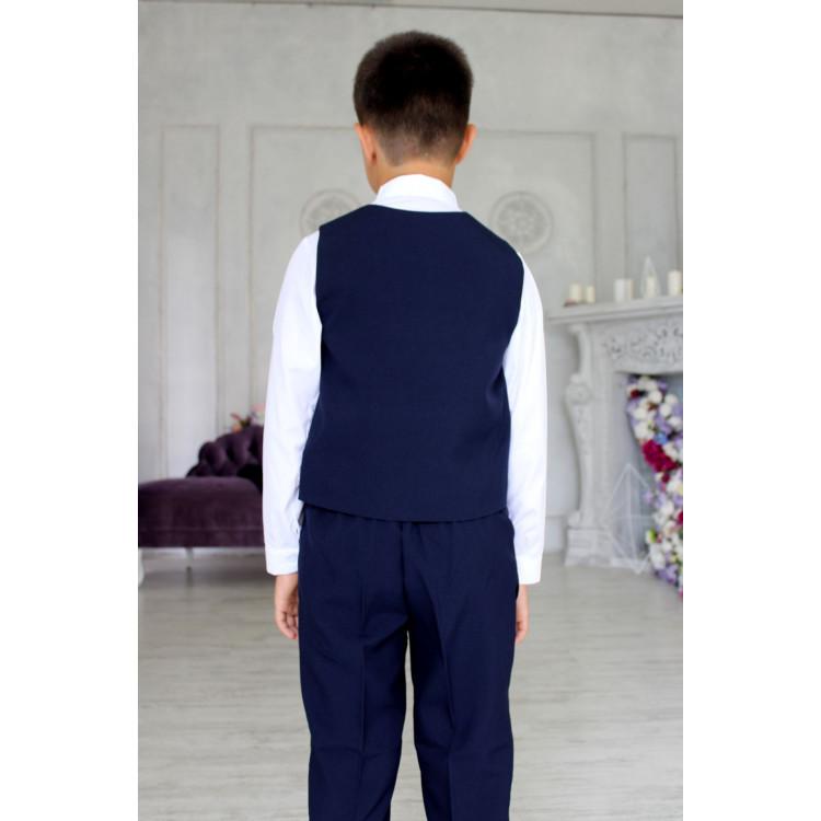 Синий костюм с пиджаком и жилетом