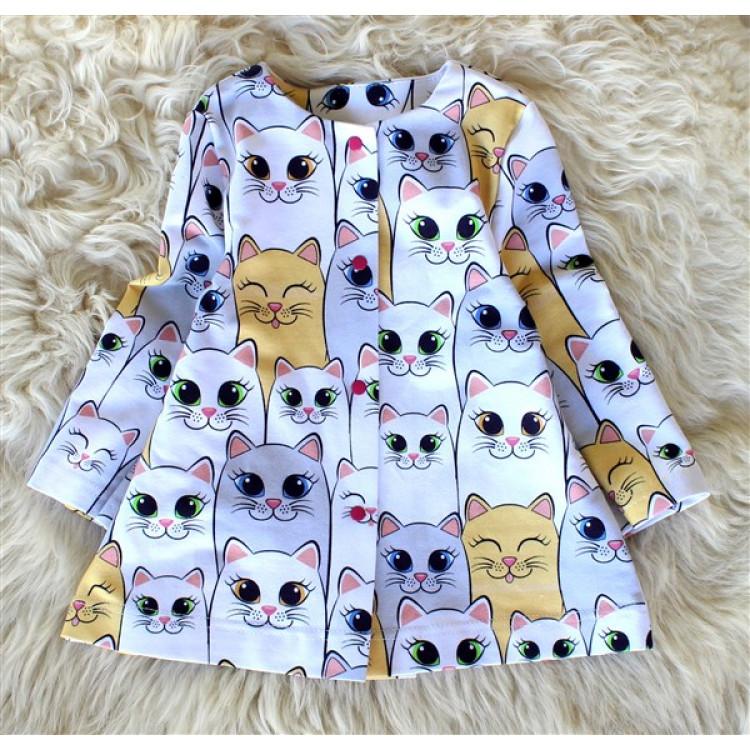 Пальто для девочки с кошками