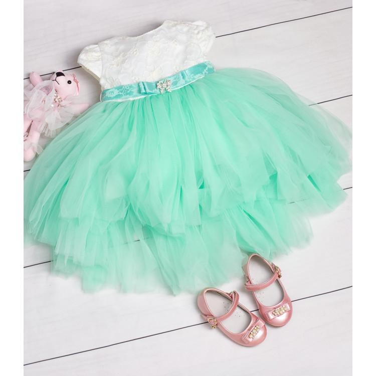 Платье мятного цвета с декоративным поясом