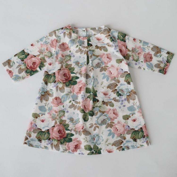 Расклешенное платье с розами