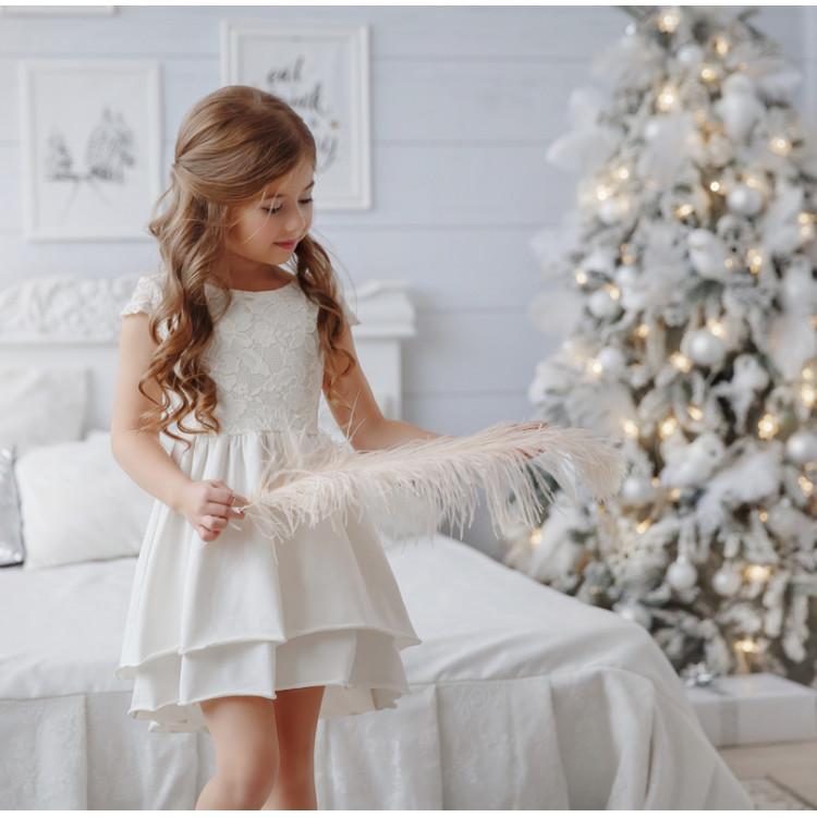 Платье детское цвета экрю
