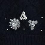 Зимняя черная шапка бини с декором