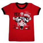 Красная футболка с изображением