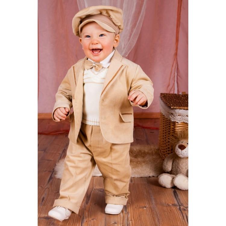 Бежевый комплект с брюками и пиджаком