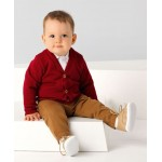 Джемпер красного цвета в комплекте с брюками