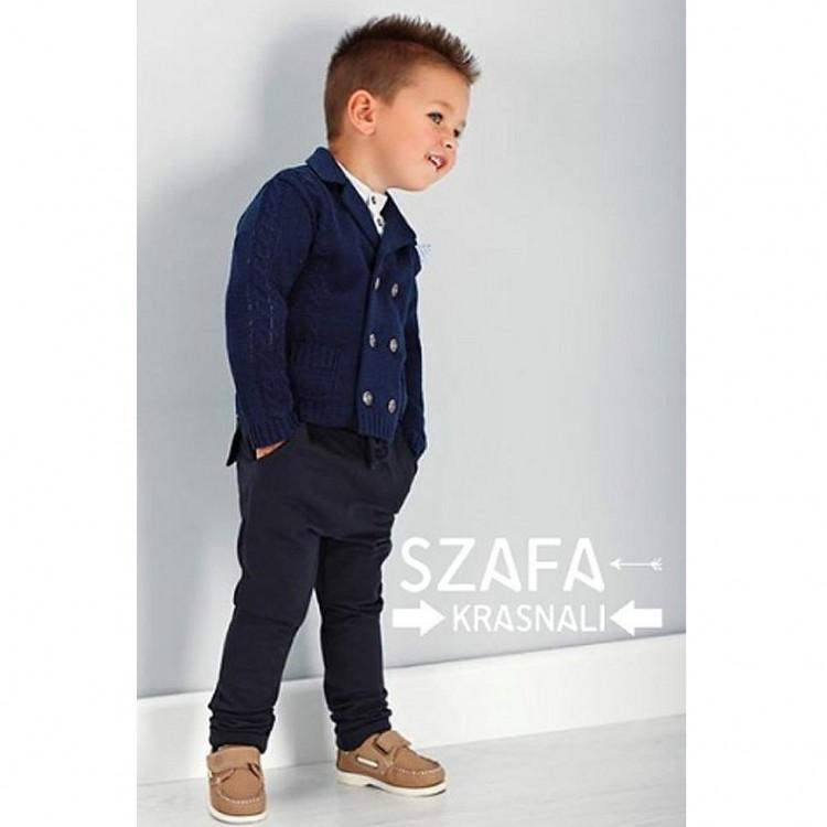 Стильный костюм для мальчика с джемпером